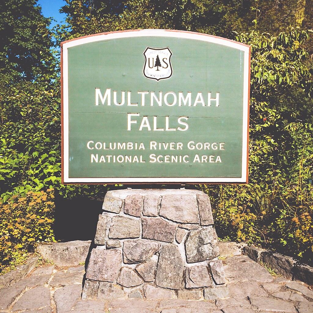 Multnomah Falls in Oregon, Verenigde Staten | via It's Travel O'Clock