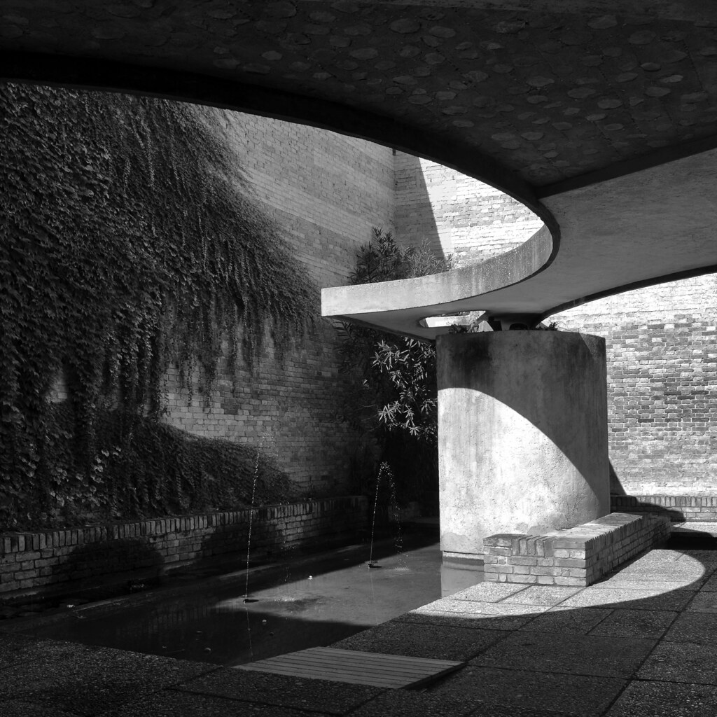 Carlo scarpa architect biennale sculpture garden giardi for Architetto 3d gratis