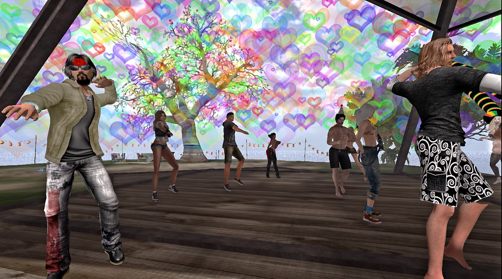 Party @ Commune Utopia! photo by owl