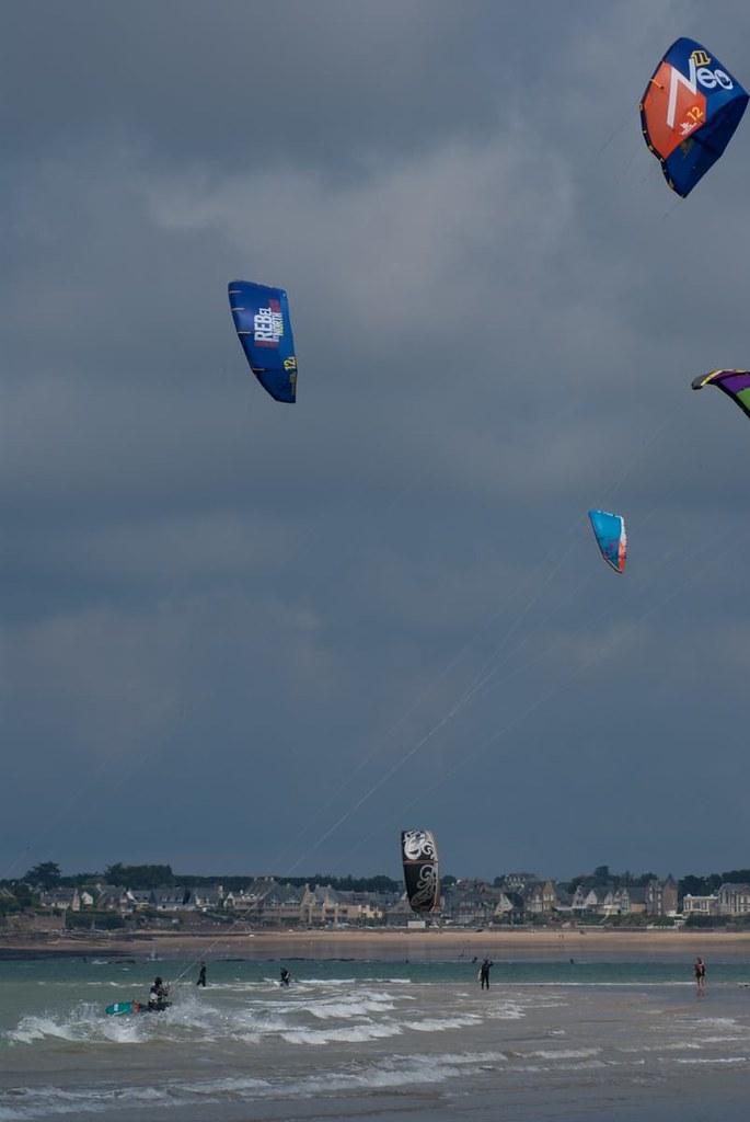 kitesurf sport que l 39 on pratique sur l 39 eau l 39 aide d 39 une flickr. Black Bedroom Furniture Sets. Home Design Ideas