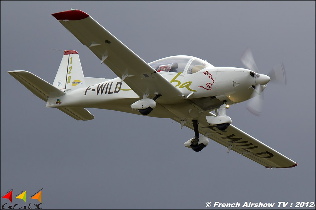 APM 40 Simba F-WILD - Issoire Aviation Cervolix Plateau de Gergovie Auvergne Comment faire photos de Meeting Aerien 2012