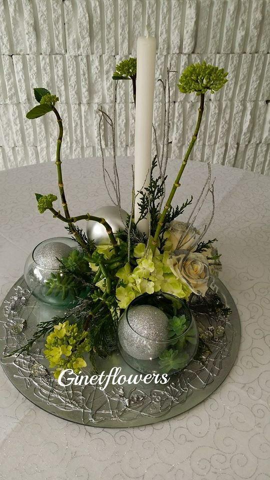 Centro de mesa navide o redondo en plateados y verdes flickr - Centros de mesas navidenos ...
