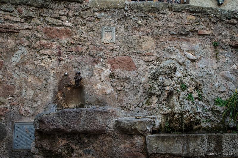 Una fuente de Mura