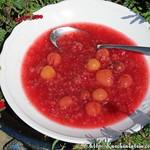 Kirsch-Himbeer-Johannisbeerkaltschale mit Sago