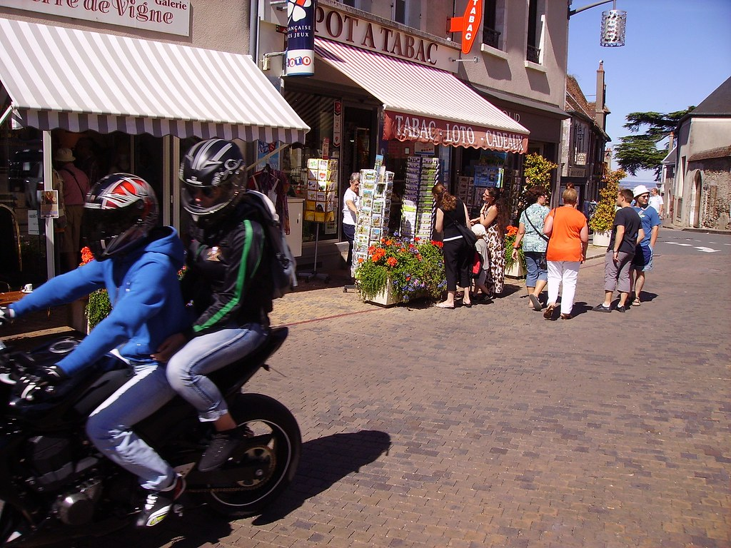Image De Motards Au Cafe Humoristiques Joeys Bar