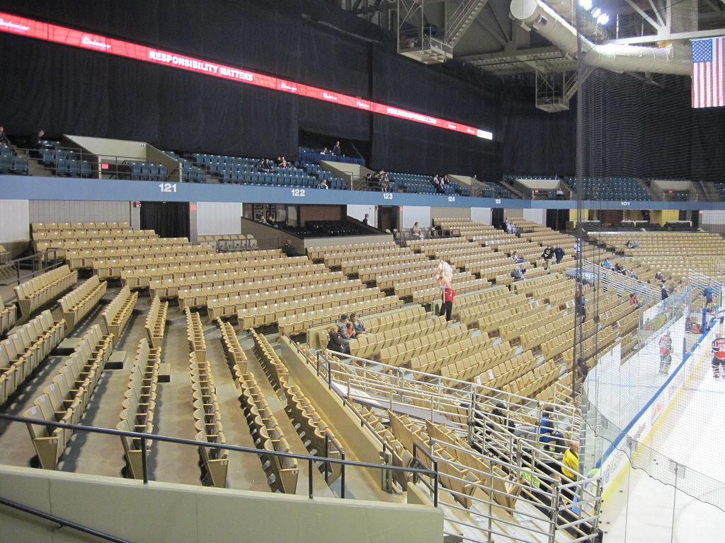 dcu center worcester seating 002 jmcx4 flickr. Black Bedroom Furniture Sets. Home Design Ideas