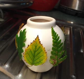 ecoprinting with leafs on ceramic and silk Dutch landscape
