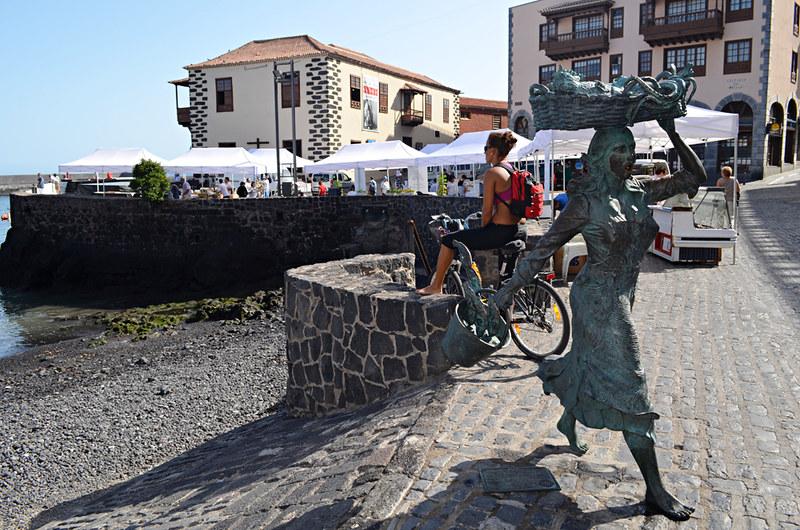 The fishwife, Puerto de la Cruz, Tenerife
