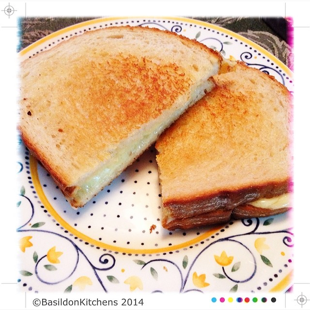 24/2/2014 - half {my dinner; grilled cheese sandwich, cut in half} #fmsphotoaday #half #dinner #grilledcheese #sandwich #havarti