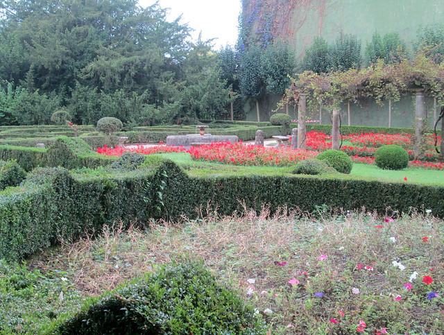 agarden in Ferrera  park 2