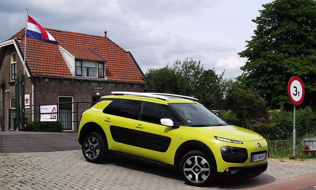 2014 citroen c4 cactus feel edition puretech e thp 110 sei flickr. Black Bedroom Furniture Sets. Home Design Ideas