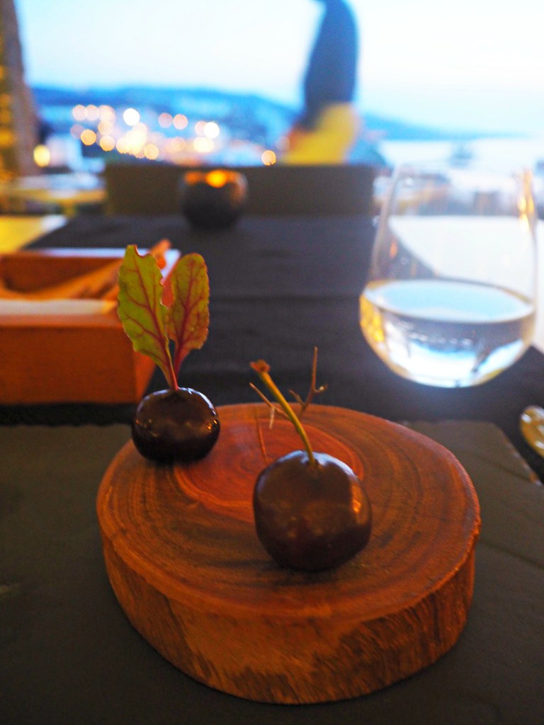 Bill & Coo suites mykonos restaurant taster menu