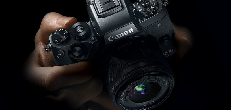 EOS-M5-in-Hands-1078x516