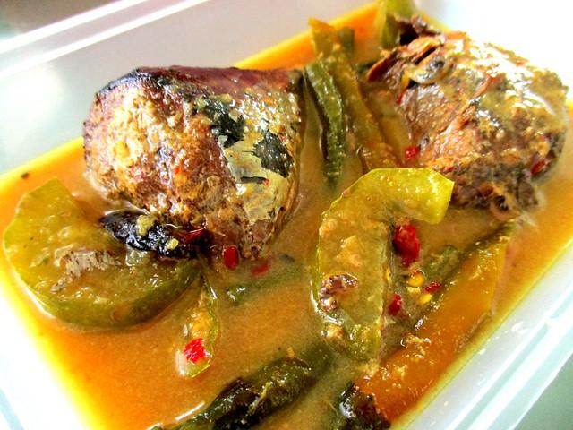 Gulai ikan tongkol, Bandong