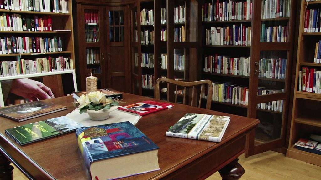 bibliothek im kloster arenberg bei koblenz ein platz zum s flickr. Black Bedroom Furniture Sets. Home Design Ideas