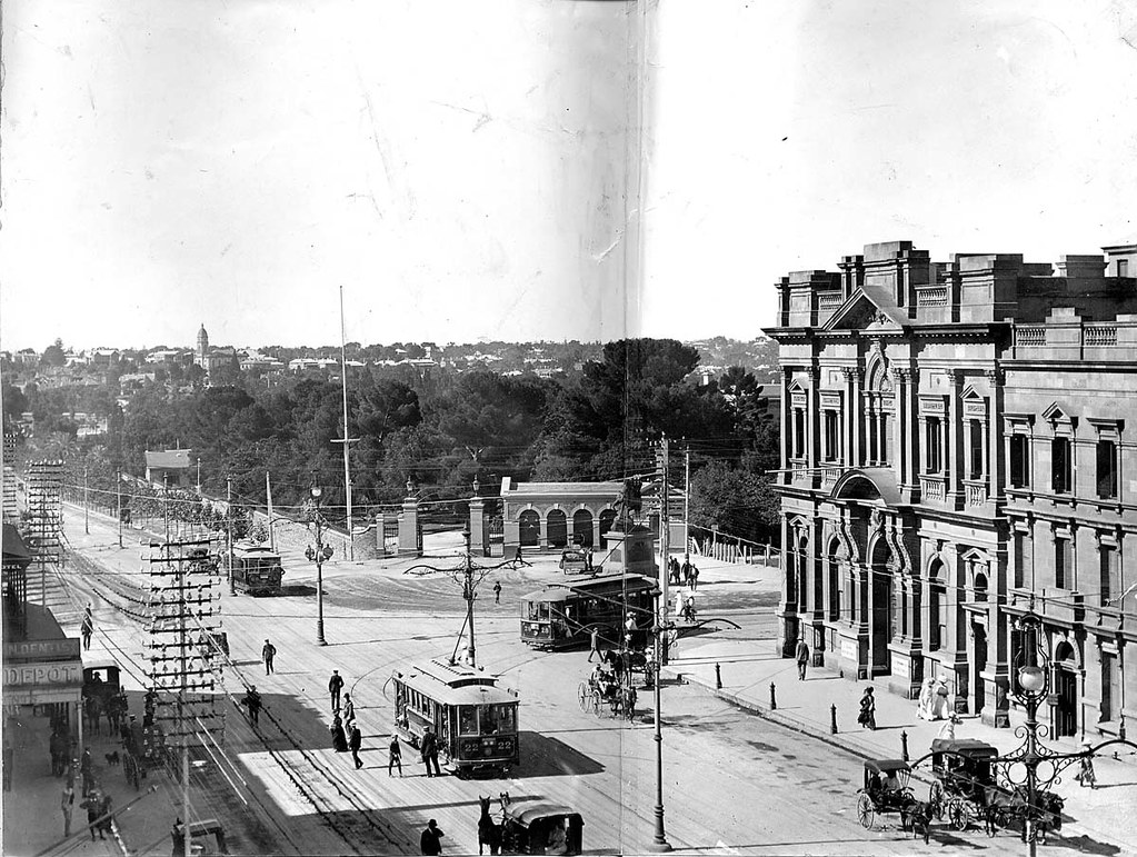 King william street and north terrace intersection adelai for 21 south terrace adelaide