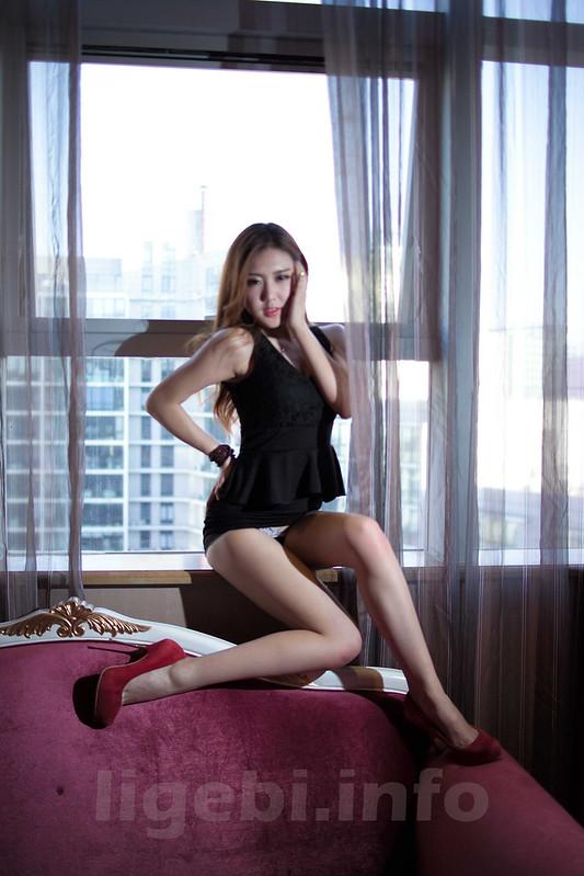 国模林雅琪酒店私拍流出,身材好!