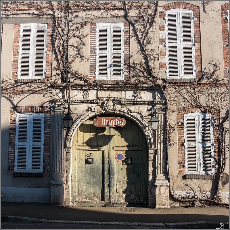 Vileneuve sur Yonne 31332150555_a73d2a4a89_c
