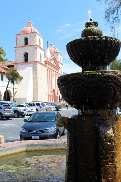 Santa barbara old santa barbara mission fountain for Case in stile missione santa barbara