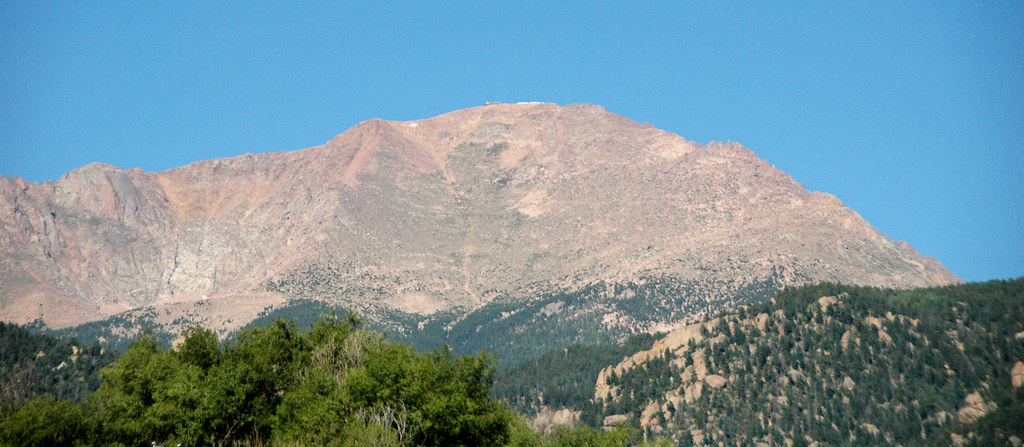 Pikes Peak Mountain >> Pikes Peak (Pikes Peak Granite, Mesoproterozoic, 1.08 Ga; … | Flickr