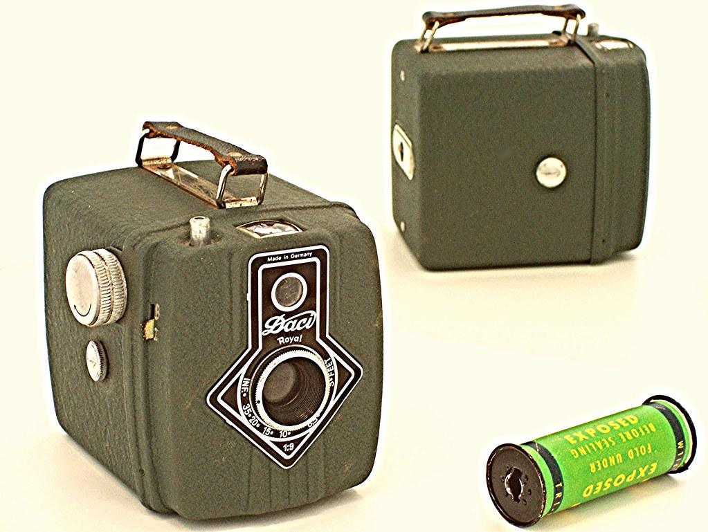 Dacora' Daci Royal | Daci Royal, green metal box camera ...