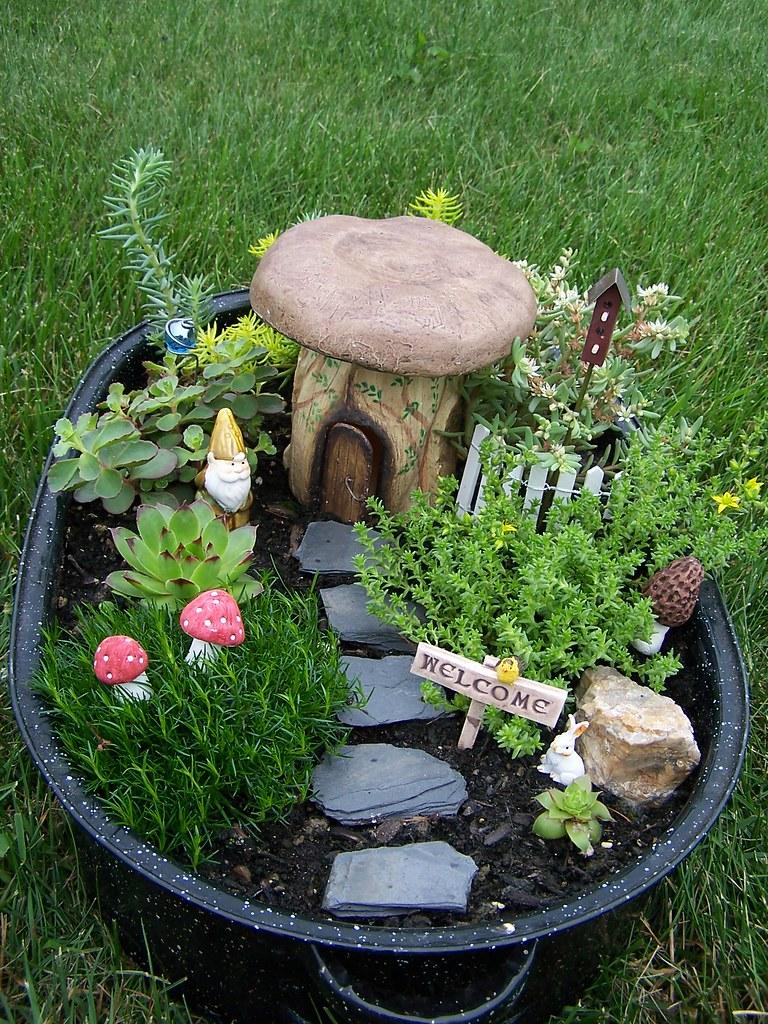 100 1369 arlene brenneman flickr for How to make a mini garden