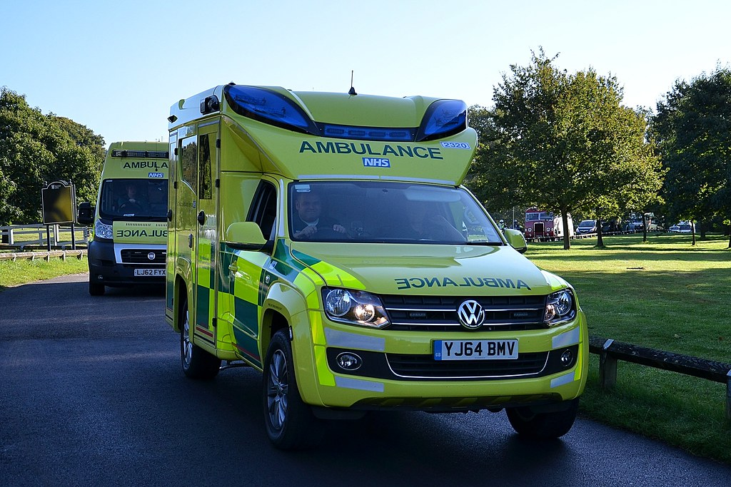East Midlands Ambulance Service Volkswagen Amarok Yj64 Bmv