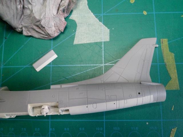 Pas-à-pas : Vought F-8E Crusader [Academy 1/72] 30627252531_26d88b12c6_o