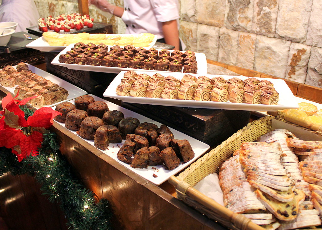 cameron-highlands-resort-christmas-market-desserts