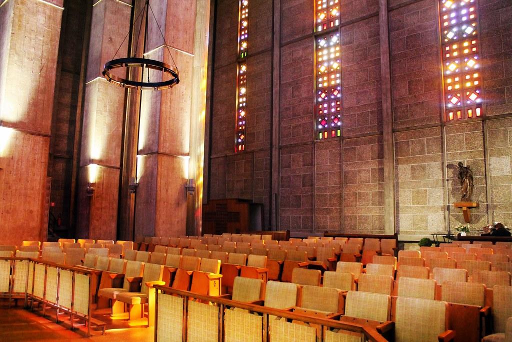Drawing Dreaming - Guia de visita de Le Havre, Normandia - Église Saint-Joseph