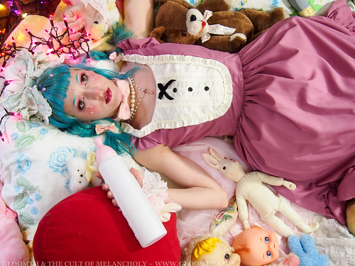 gloomth cry baby lolita fashion toronto canada