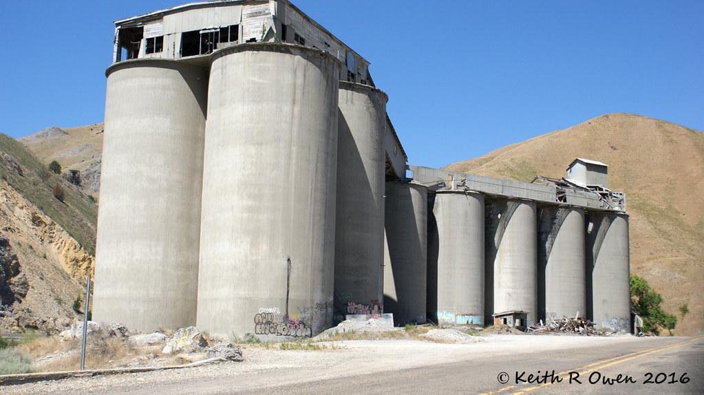 Abandoned Cement Plant : Abandoned cement plant lime or keith owen flickr