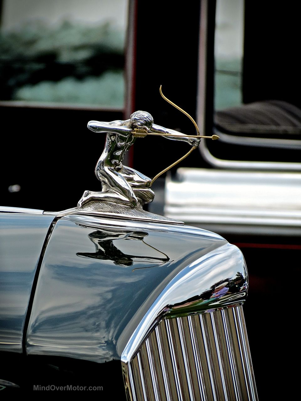 Hershey Elegance Pierce Arrow Hood Ornament