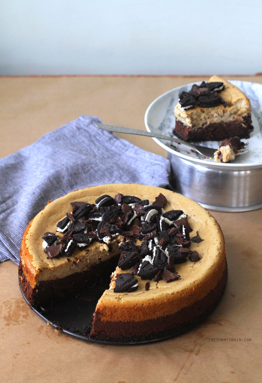 30860757186 cd636c5e88 h - This Chocolate & Coffee Cheesecake is insanely good