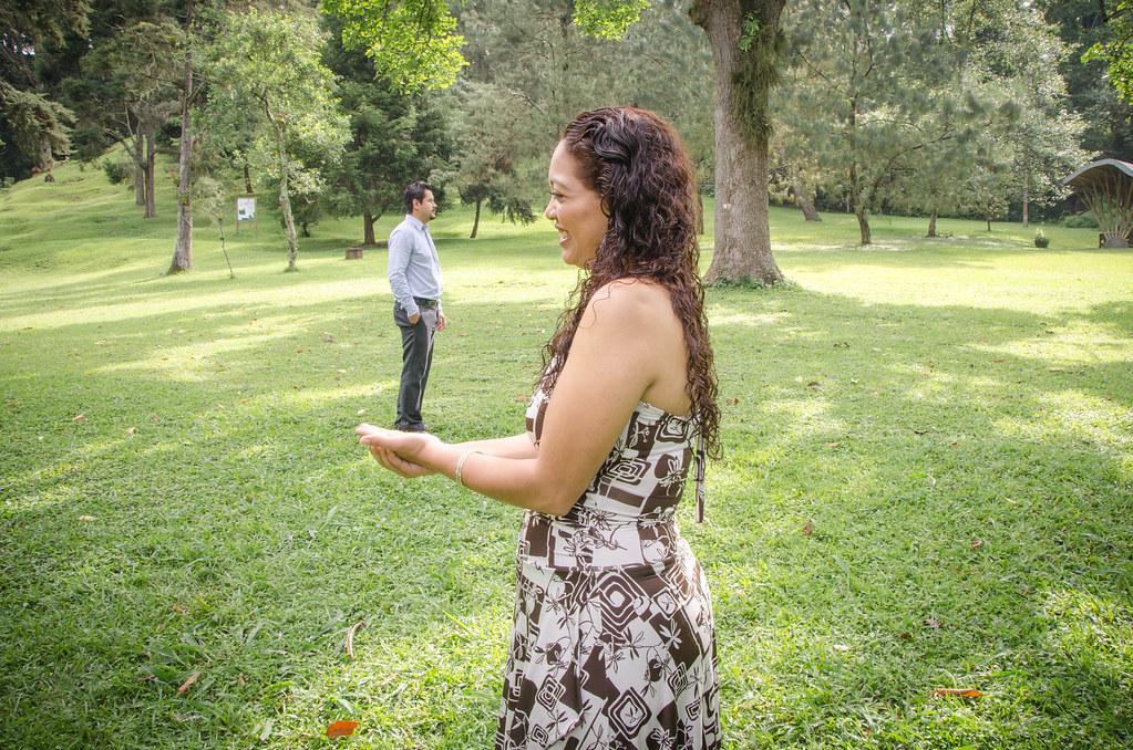 Sesi n fotogr fica previa a la boda tomada en el jard n b for Boda en el jardin botanico