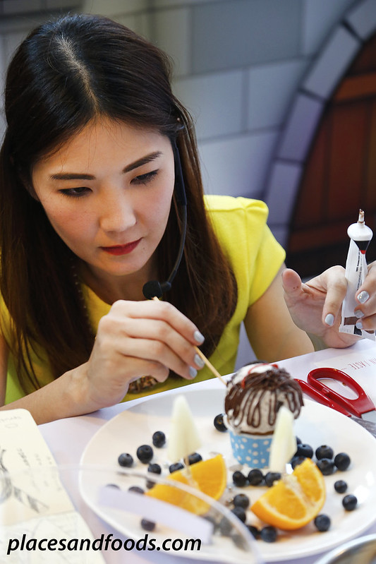 samantha lee creating food art