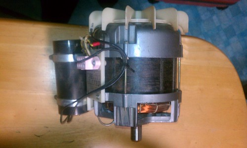 GS2000 motor from the side