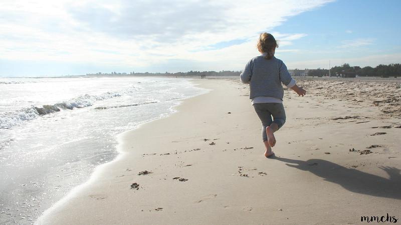 corriendo en playa de Pinedo