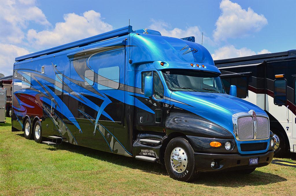 Kenworth Motor Home | At the 2014 NHRA Summit Southern ...
