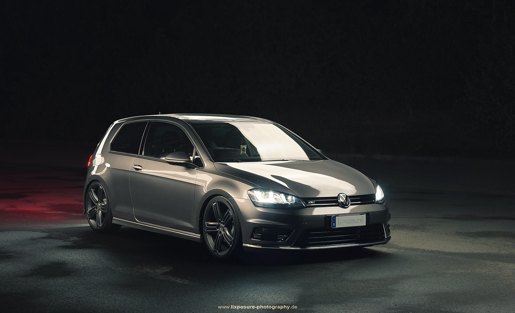 vw golf vii r line late night shot of the vw golf vii r li flickr. Black Bedroom Furniture Sets. Home Design Ideas