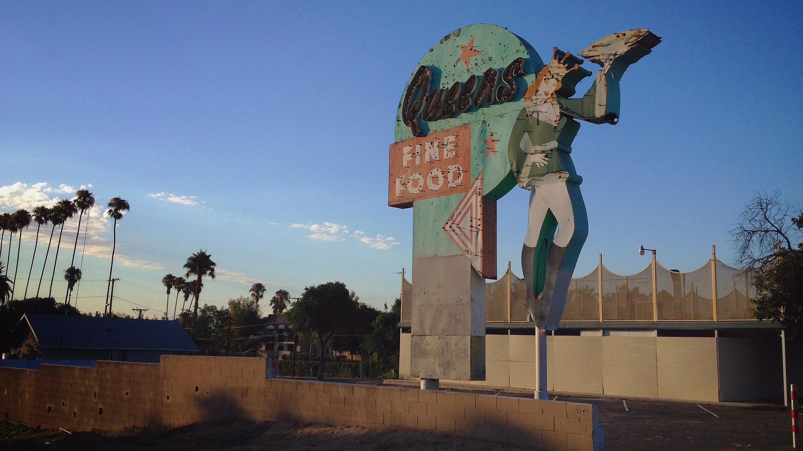 Queen's - 601 North Mountain View Avenue, San Bernardino, California U.S.A. - July 13, 2014