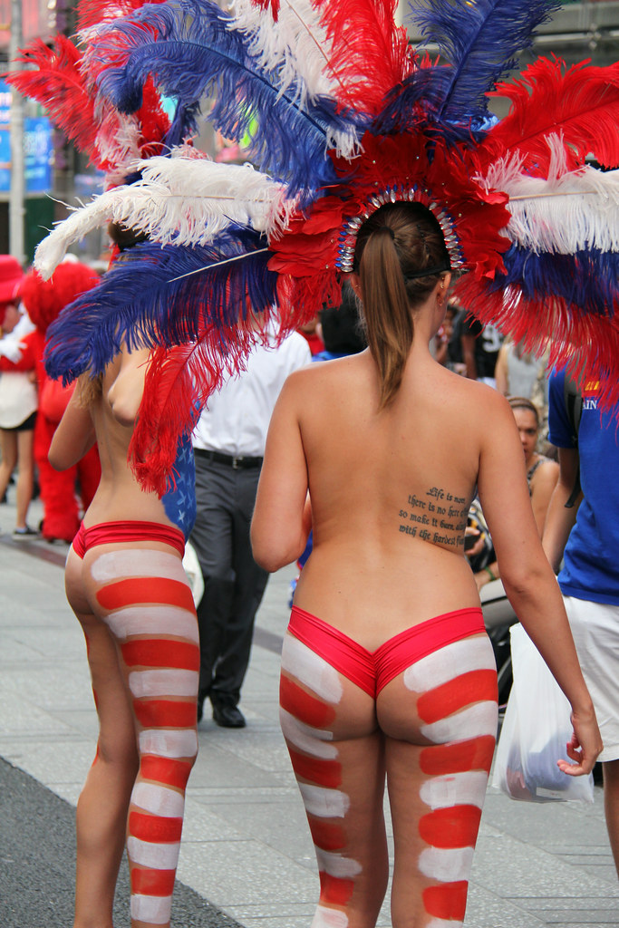Women In Times Square In Nyc Wearing Only Body Paint Phot -9570