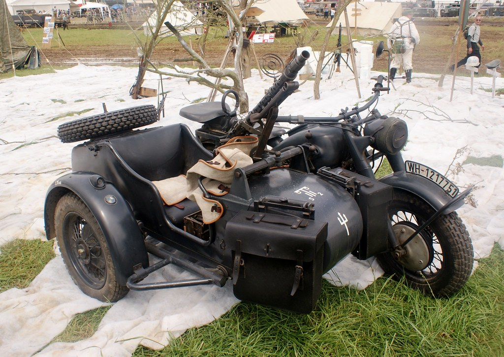 wwii era german bmw motorcycle and sidecar | miniature worlds