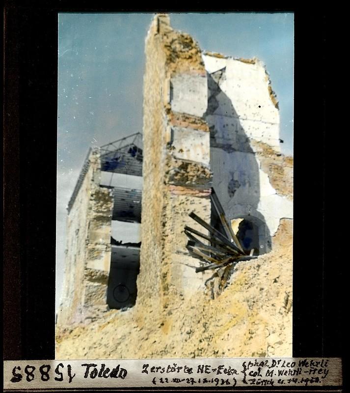 Alcázar de Toledo en ruinas fotografiado por Leo Wehrli el 4 de abril de 1950 (fotografía coloreada) © ETH-Bibliothek Zurich