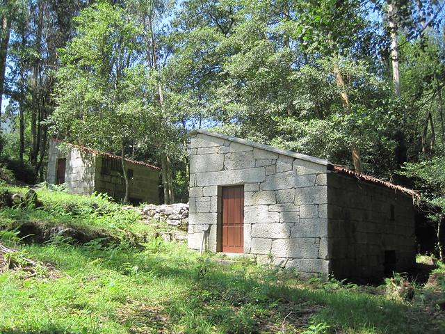 Molinos en el PR-G 102 Sendeiro dos Muíños do Río Maior