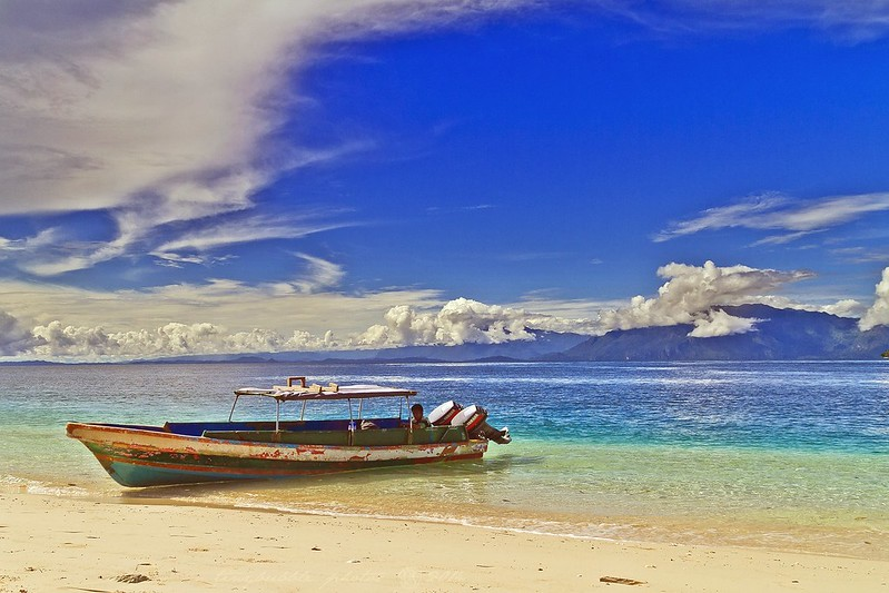 10 romantic places to visit in indonesia for your honeymoon for Best places to go on your honeymoon
