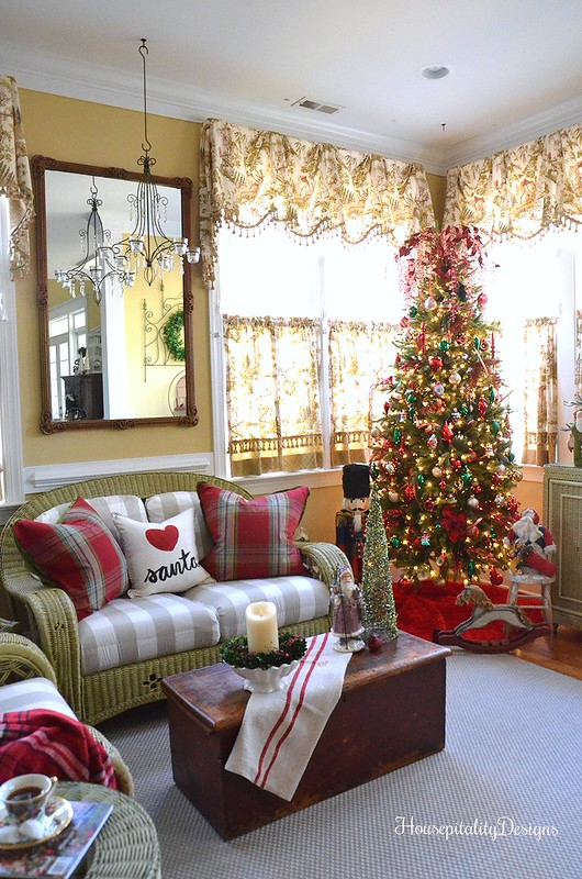 Christmas-Sunroom-Housepitality Designs