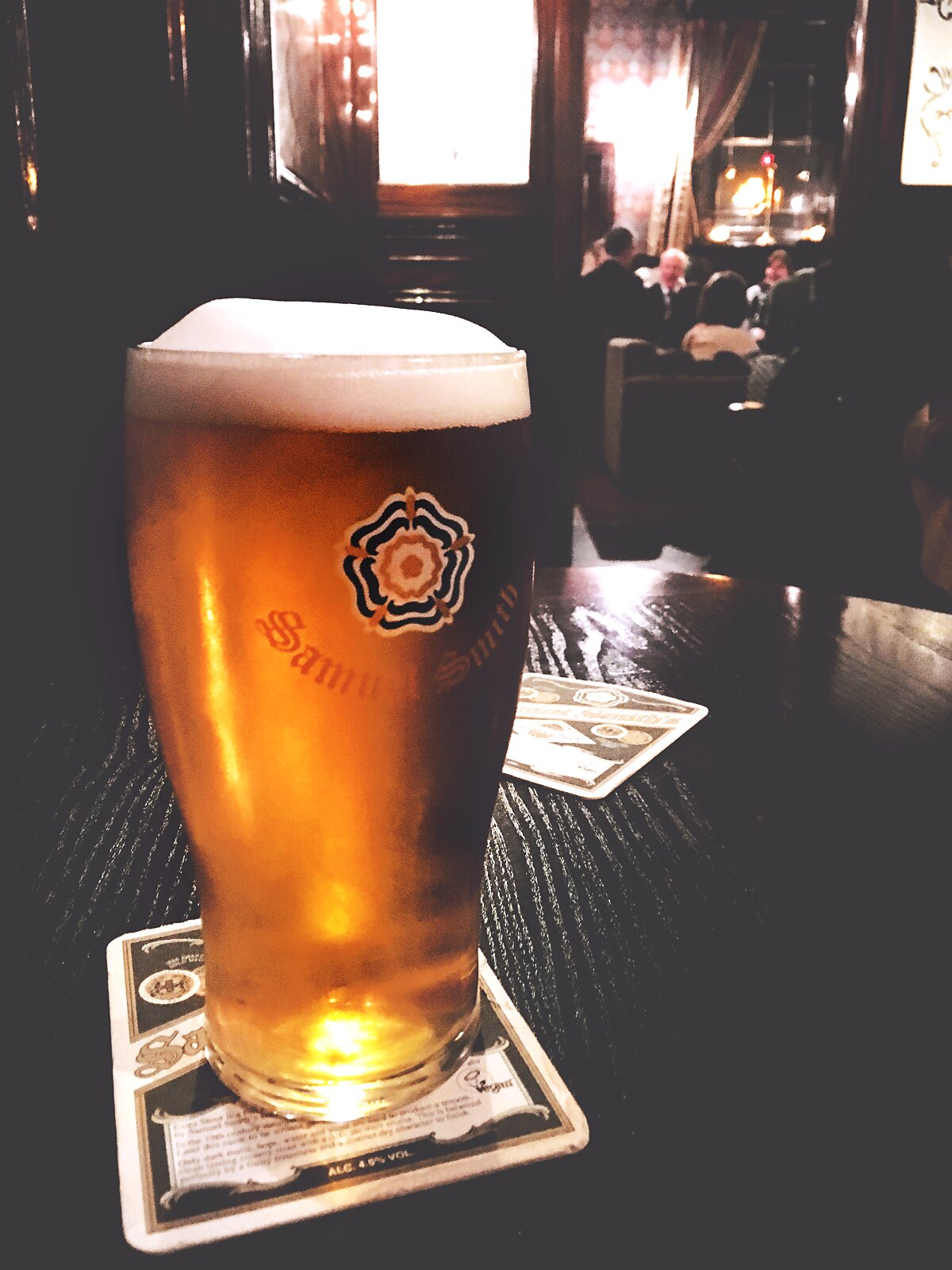 Beer in London expensive? Not if you go to a traditional pub! | via It's Travel O'Clock