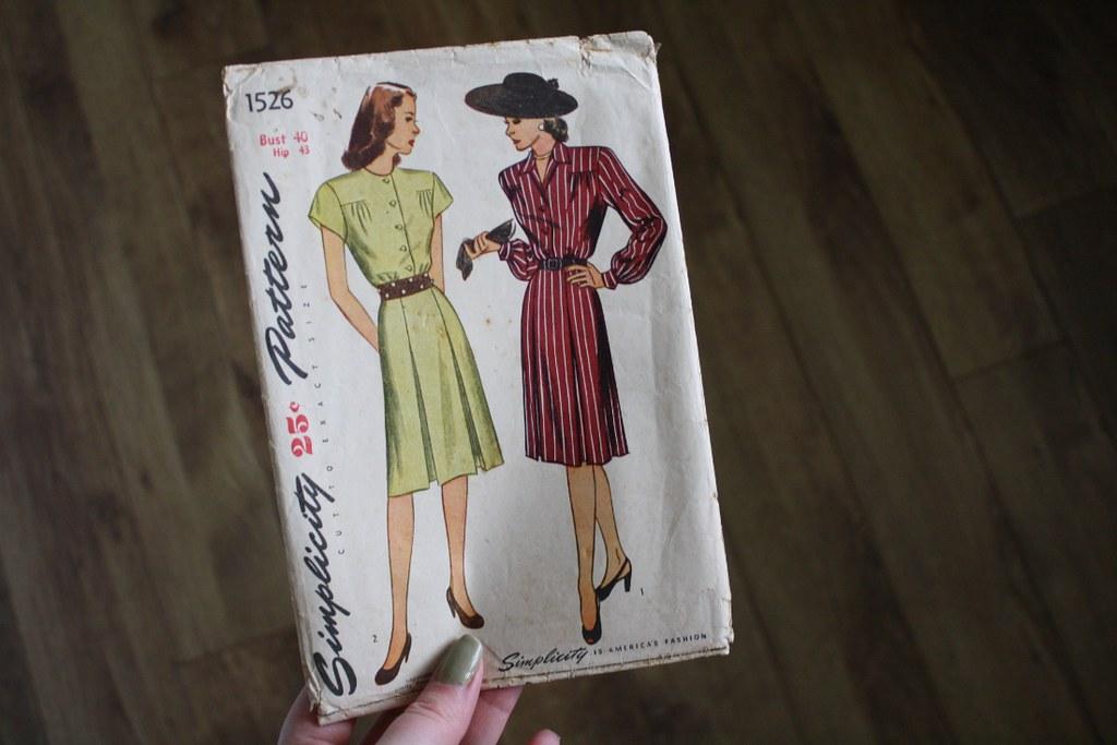 Vintage Sewing Pattern - Simplicity 1526