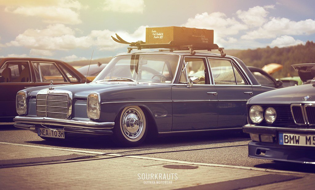 W114 or W115 Mercedes with a sweet vintage roof rack   Old School ...